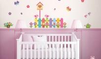 decoração de parede com adesivos para quarto de bebe