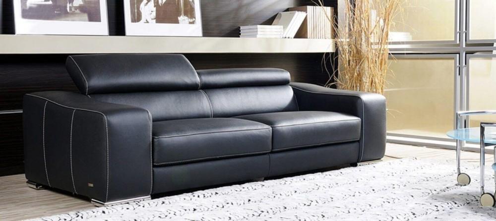sofás de couro preto